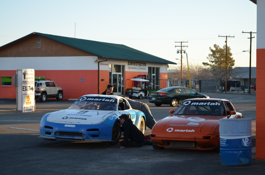 The Mariah Motorsports gang followed suit and started paking up. Waynes car on the left, and mine on the right.