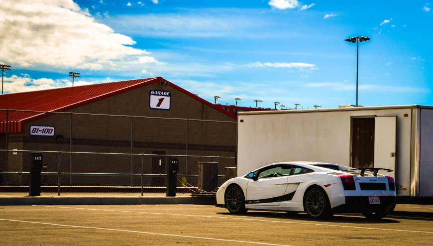 Driving throuh the paddocks, I saw this Lambo Gallardo Superleggera parked next to an empty trailer.