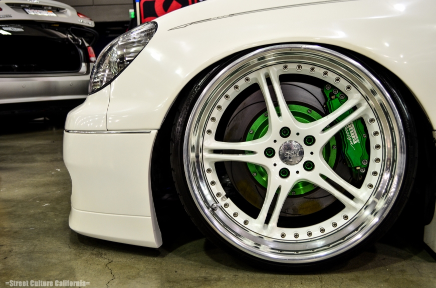 There were so many nice sets of wheels I couldn'd decide which ones to post up, so I just took a random one. This was still a very nice set of fitted SSR's